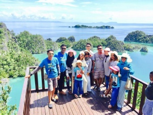 Raja Ampat Unik Tour & Travel